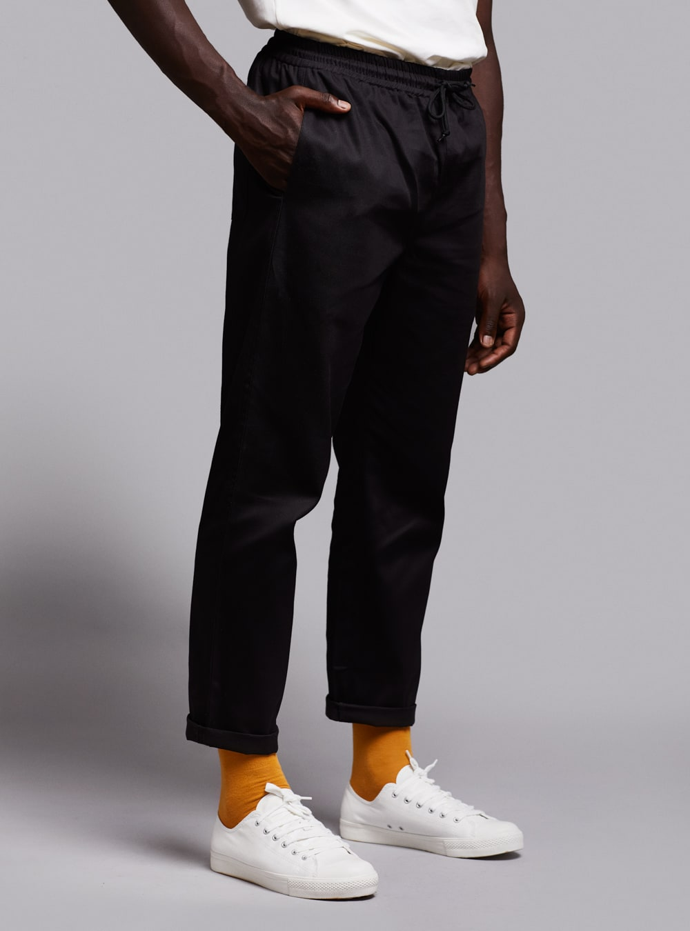 Drawstring trousers (black) in cotton, made in Portugal by wetheknot.