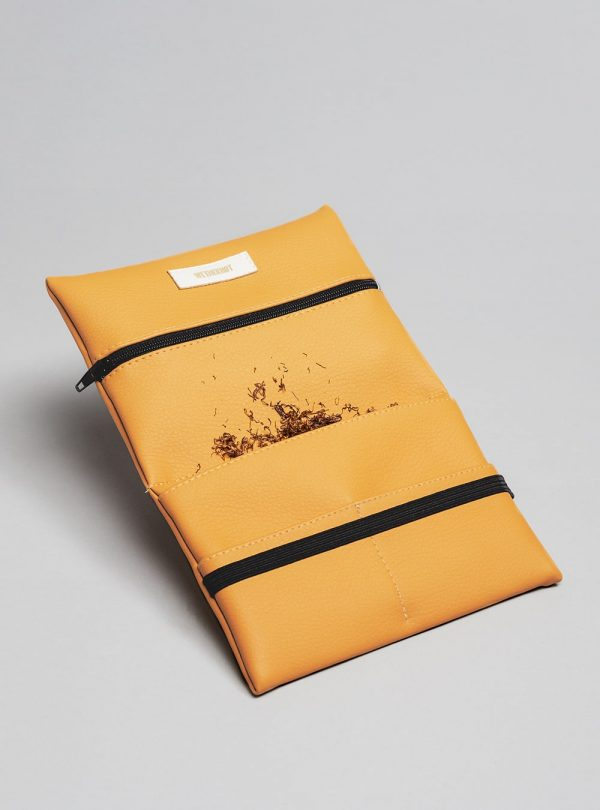 Pouch (honey) in vegan leather, made in Portugal by wetheknot.