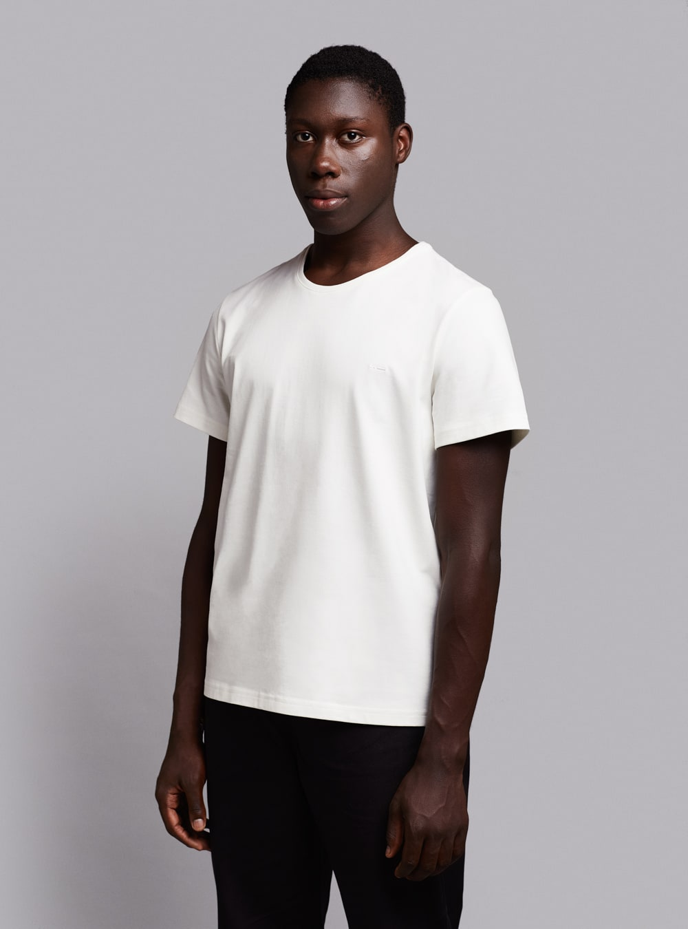 Essential t-shirt (warm white) in organic cotton, made in Portugal by wetheknot.
