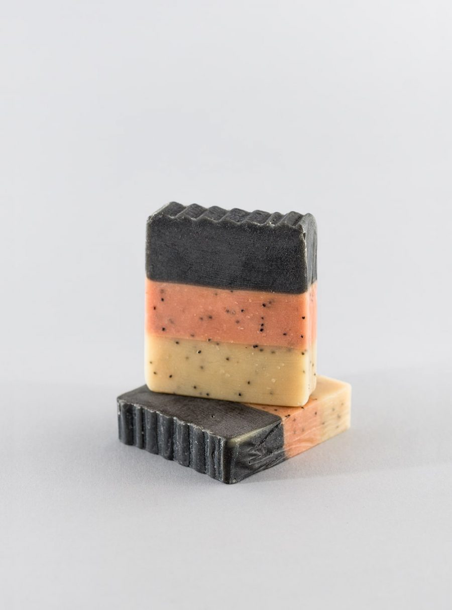 Amber & exotic woods vegetable soap, made in portugal by wetheknot
