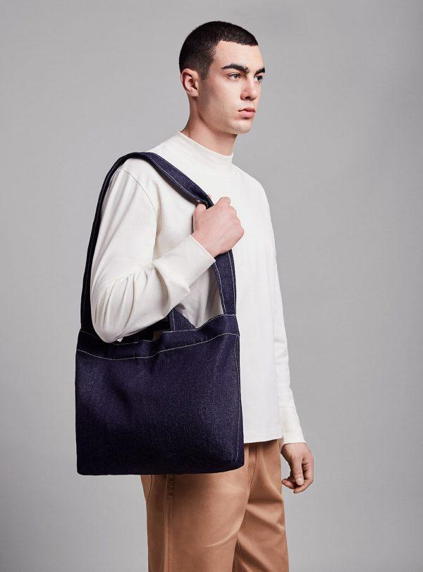 Denim bag (dark denim) in cotton, made in Portugal by wetheknot.