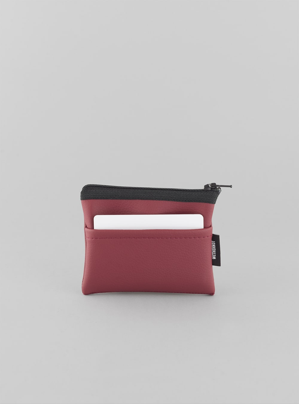 Card holder (cherry) in vegan leather, made in Portugal by wetheknot.