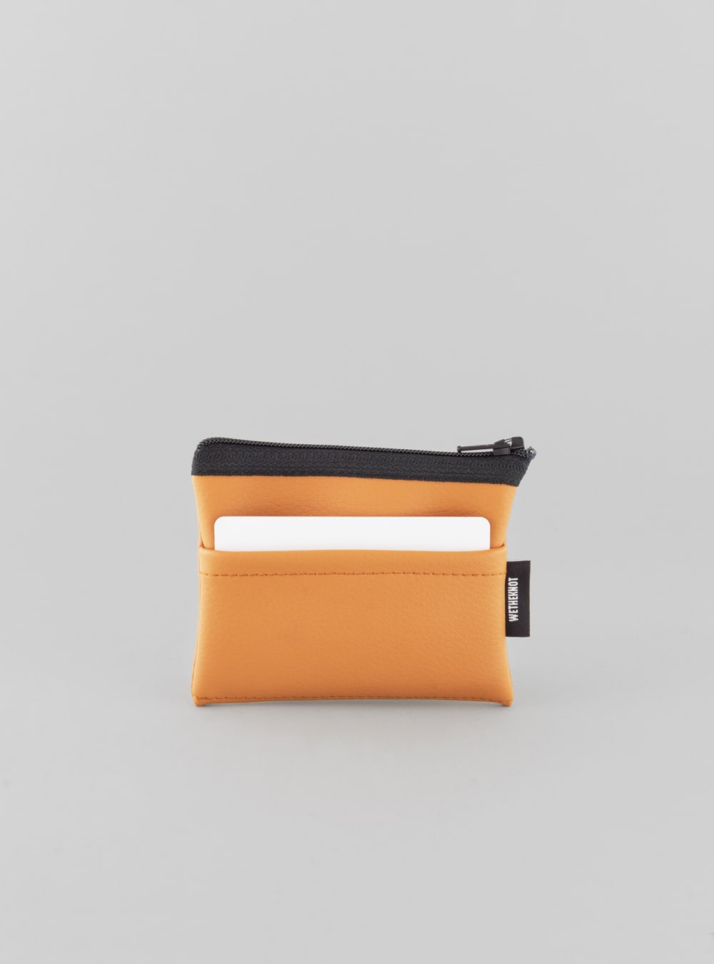 Card holder (honey) in vegan leather, made in Portugal by wetheknot.