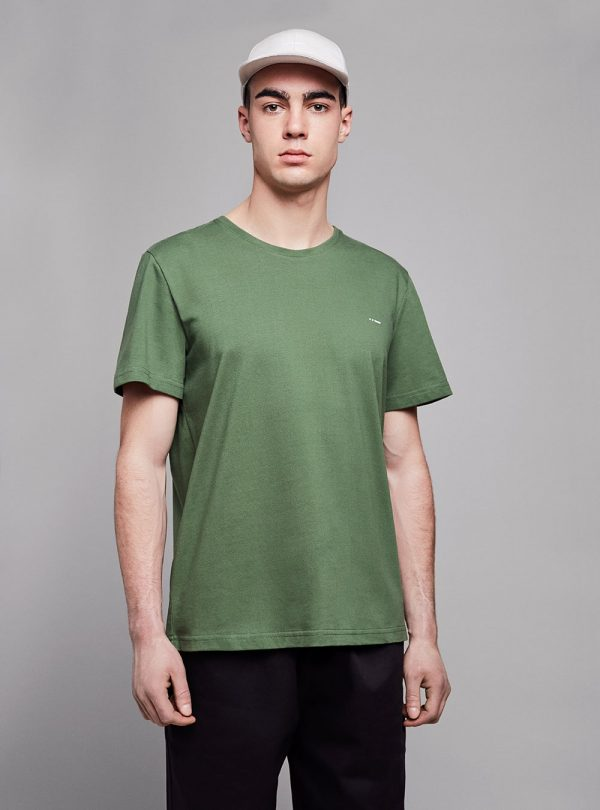 Essential t-shirt (green) in organic cotton, made in Portugal by wetheknot.
