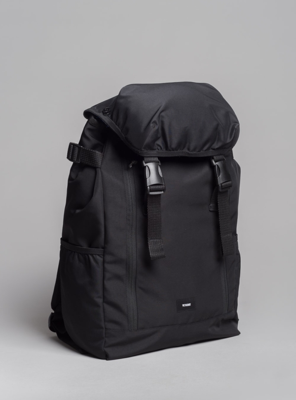 Recycled laptop backpack (black) made in Portugal by wetheknot