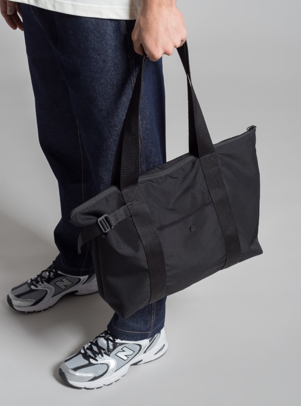 Recycled weekender tote bag (black) made in Portugal by wetheknot